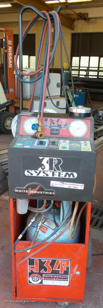 2001 White Industries 1090ST R134A refrigerant recycler