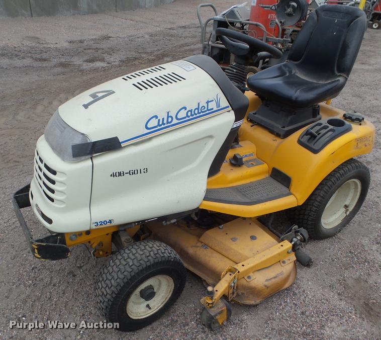 2003 Cub Cadet 3204 lawn mower