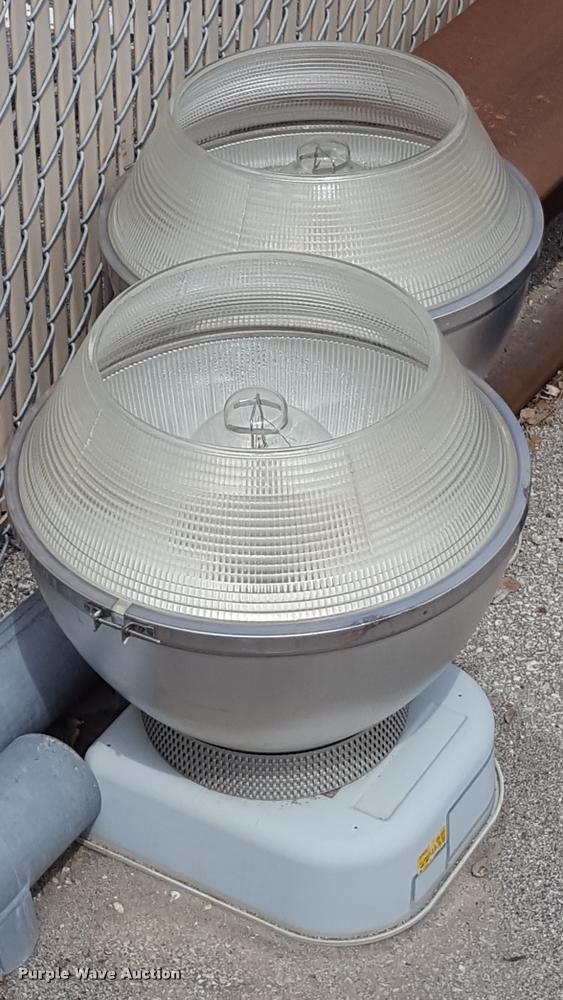 (2) aluminum 40' light poles