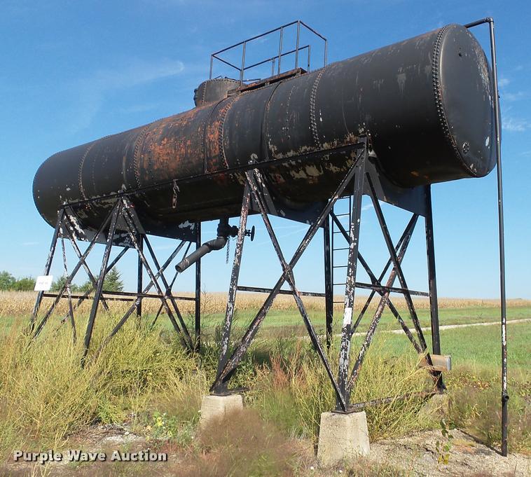 1955 R&R asphalt storage tank