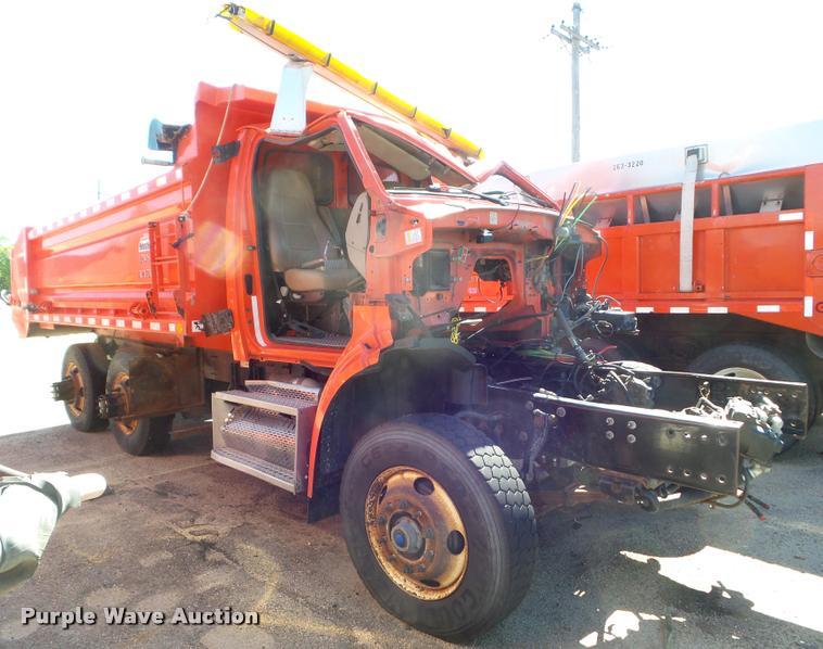 2009 Sterling LT7501 dump truck