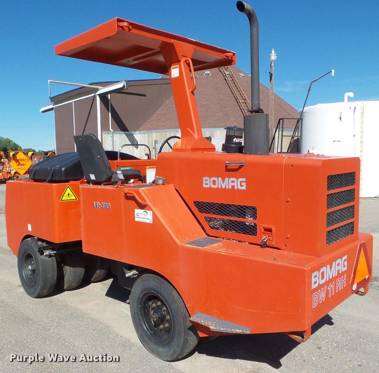 1999 Bomag BW11RH pneumatic roller
