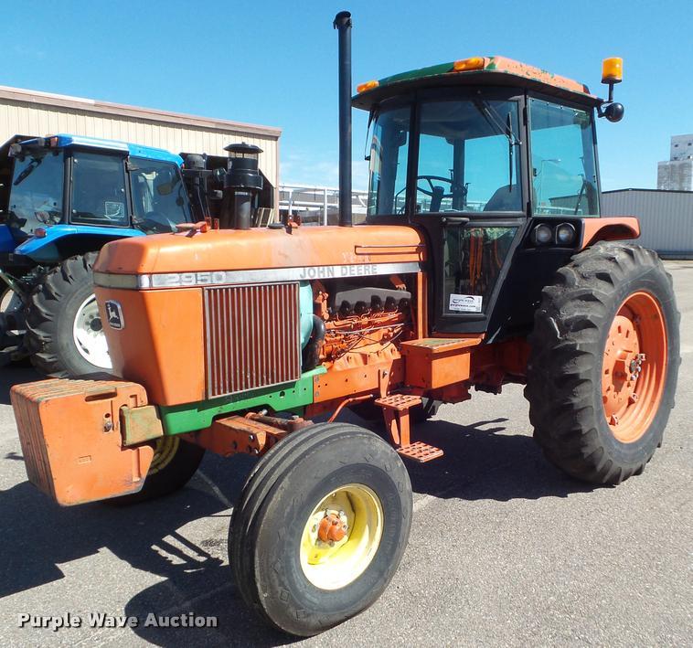 1986 John Deere 2950 tractor