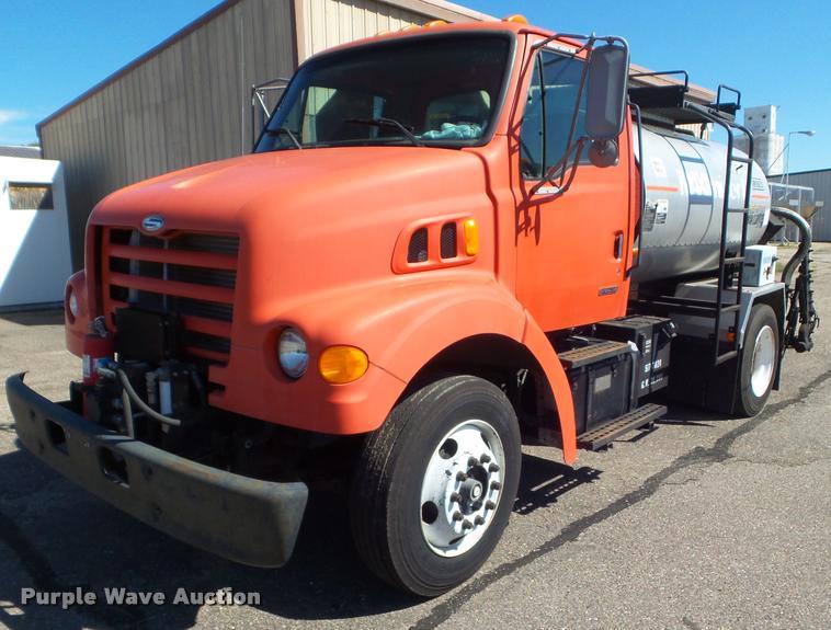 2000 Sterling L7500 oil distributor truck