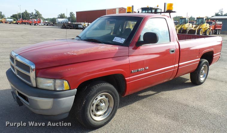 1999 Dodge Ram 1500 pickup truck