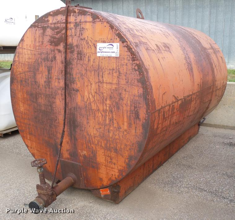 1990 Snyder 2000 water tank