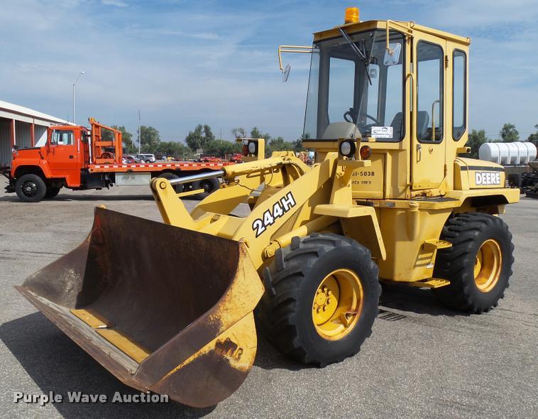 1998 John Deere 244H wheel loader