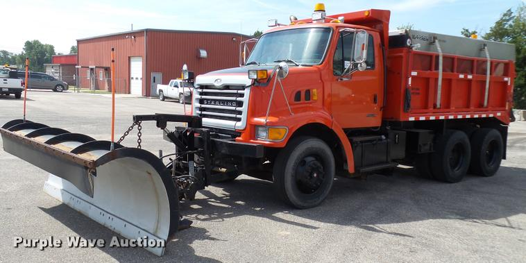 2001 Sterling L7500 dump truck