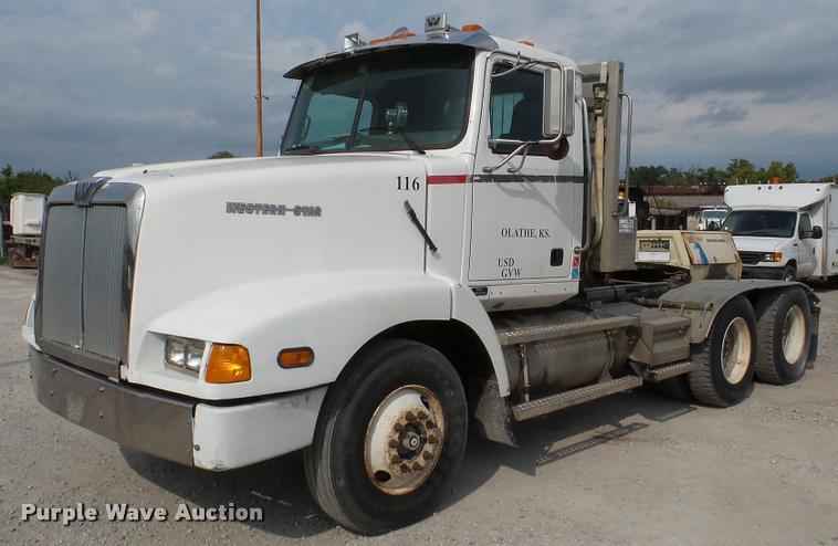 1997 Western Star 5964SS semi truck