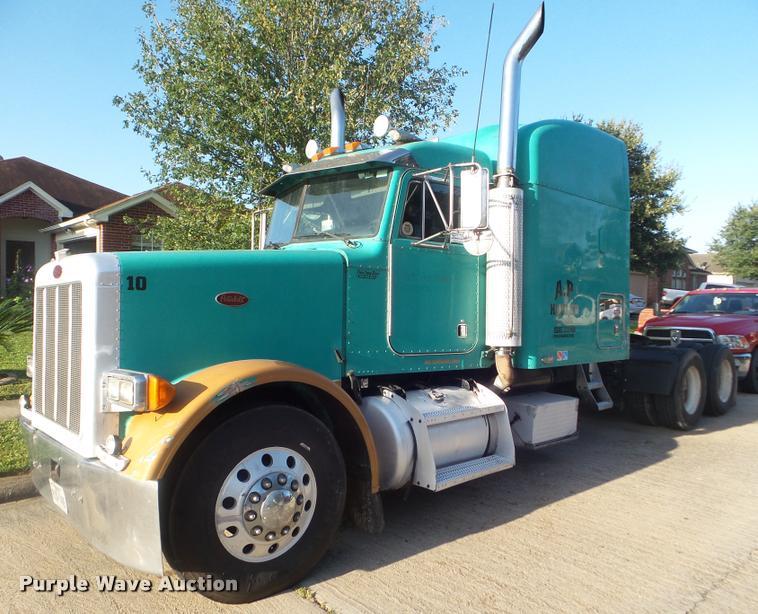 2004 Peterbilt 378 semi truck