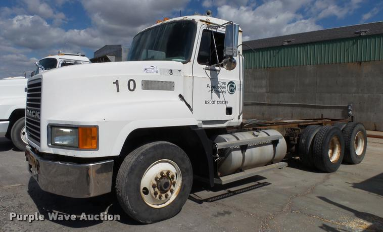 1998 Mack CH613 truck chassis