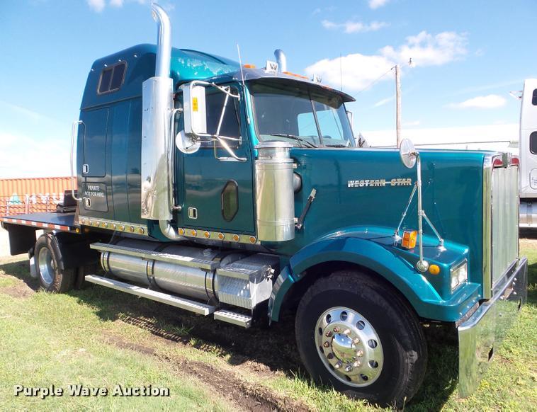 1998 Western Star 4964FX semi truck