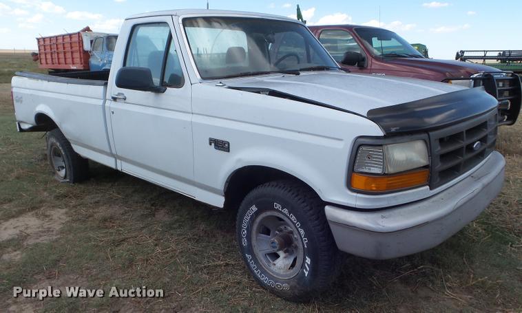 1995 Ford F150 pickup truck