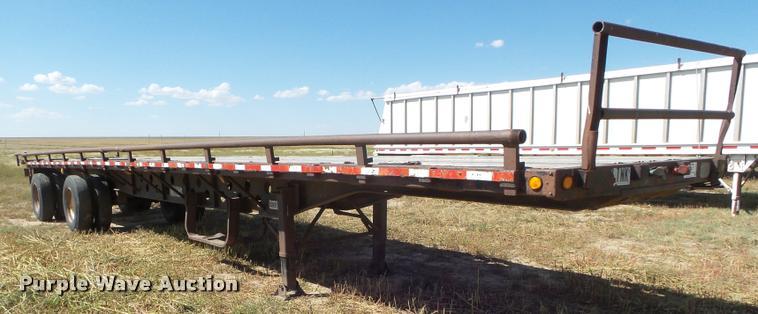 1987 Transcraft flatbed trailer