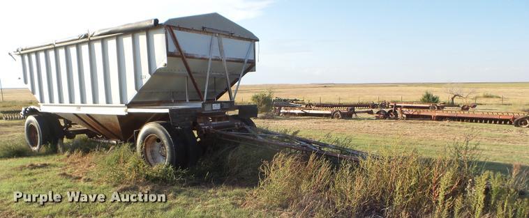 1981 Doonan single hopper grain trailer