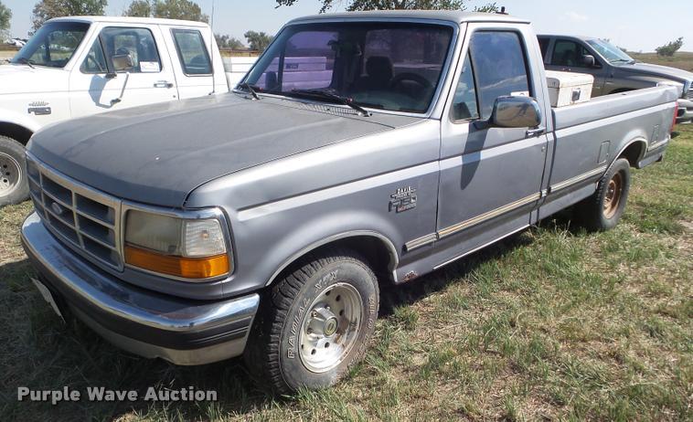 1995 Ford F150 XLT pickup truck