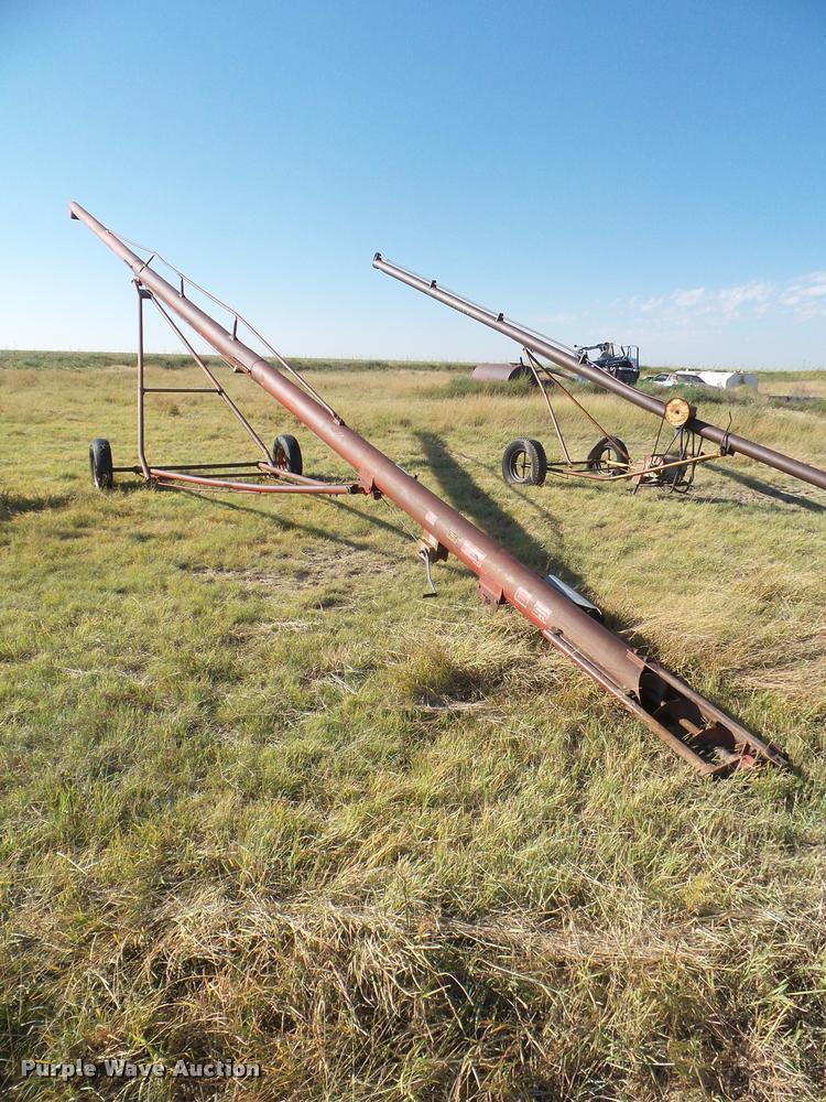Versatile LB8 grain auger