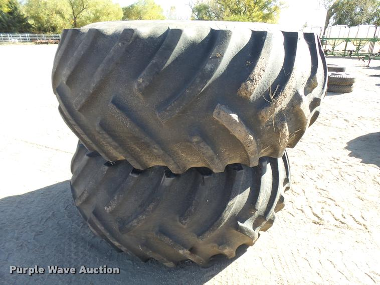 (2) Titan 30.5L-32 tires and wheels