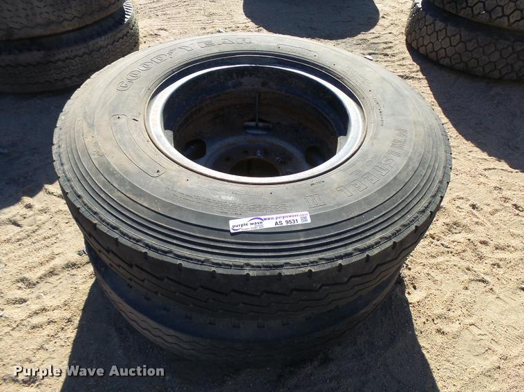 (2) 9.00R20 tires and wheels