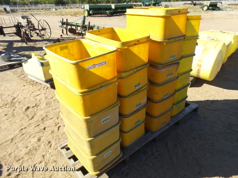 (32) Distel grain box toppers