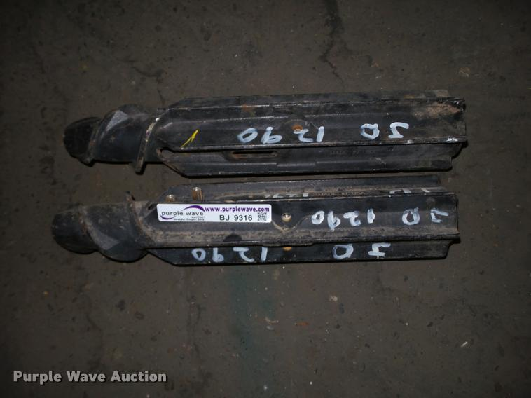 Row set of John Deere 1290 corn head rollers