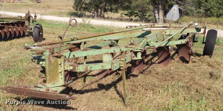 John Deere five bottom plow