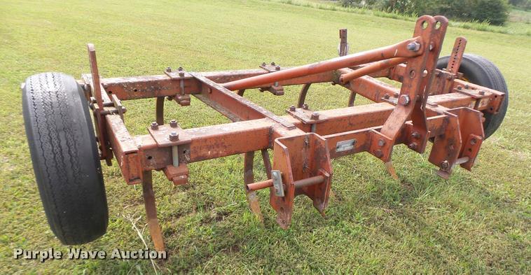 Massey-Ferguson MF129 field cultivator