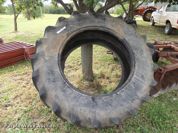 Firestone 20.8-38 tire