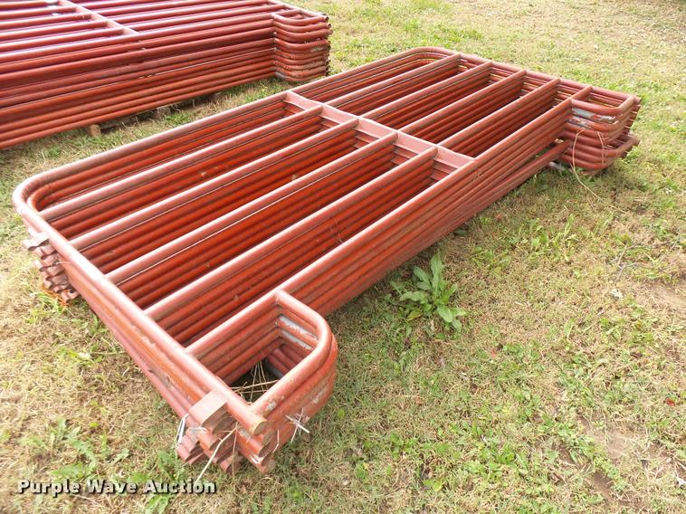 (11) Farmaster corral panels
