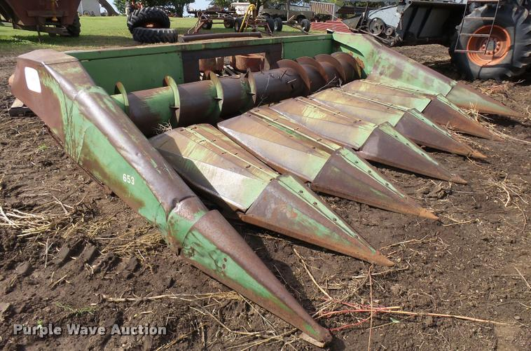 John Deere 653 row crop head