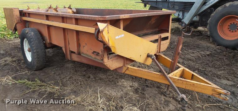 Kelly-Ryan manure spreader