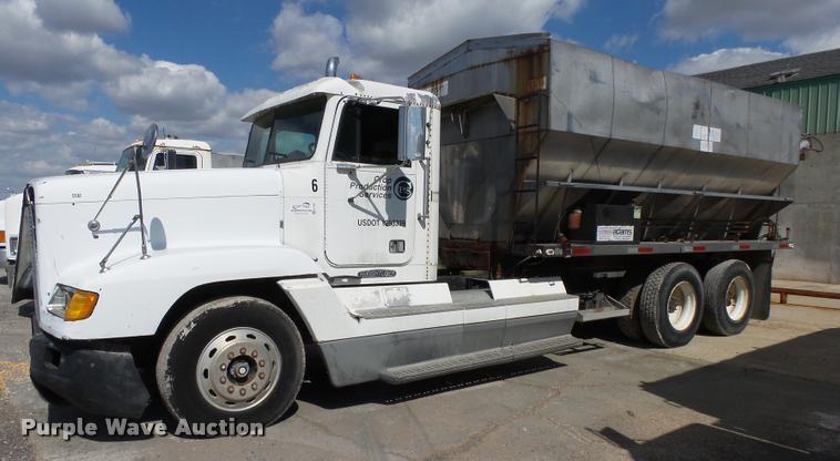 1996 Freightliner FLD12064T tender truck
