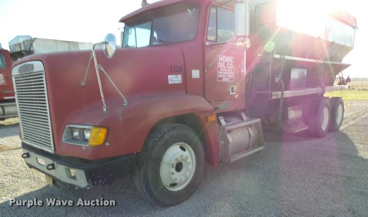 1994 Freightliner FLD11264ST tender truck
