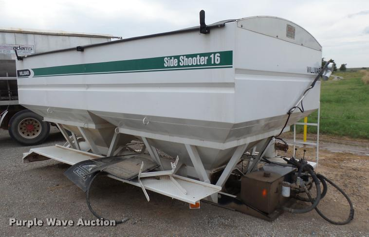 Willmar Side Shooter 16 double hopper bed