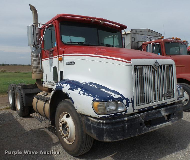 1999 International 9100 semi truck