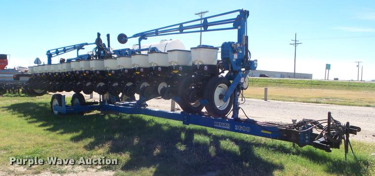 2006 Kinze 3600 no-till planter