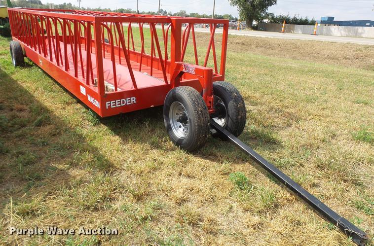 Industries America feeder wagon