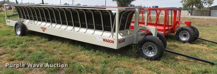Industries America silage feeder wagon
