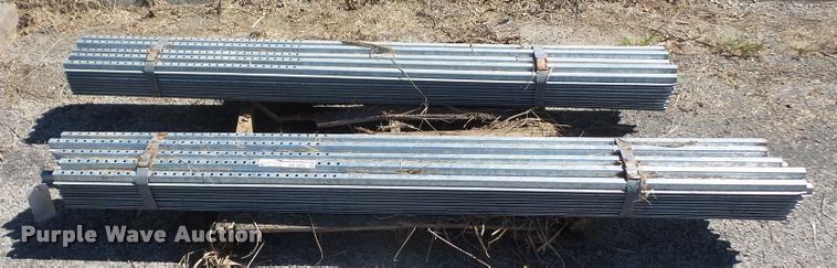 (100) 6.5' galvanized sign posts
