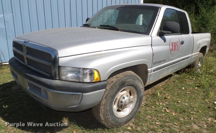 2001 Dodge Ram 2500 Laramie SLT Quad Cab pickup truck