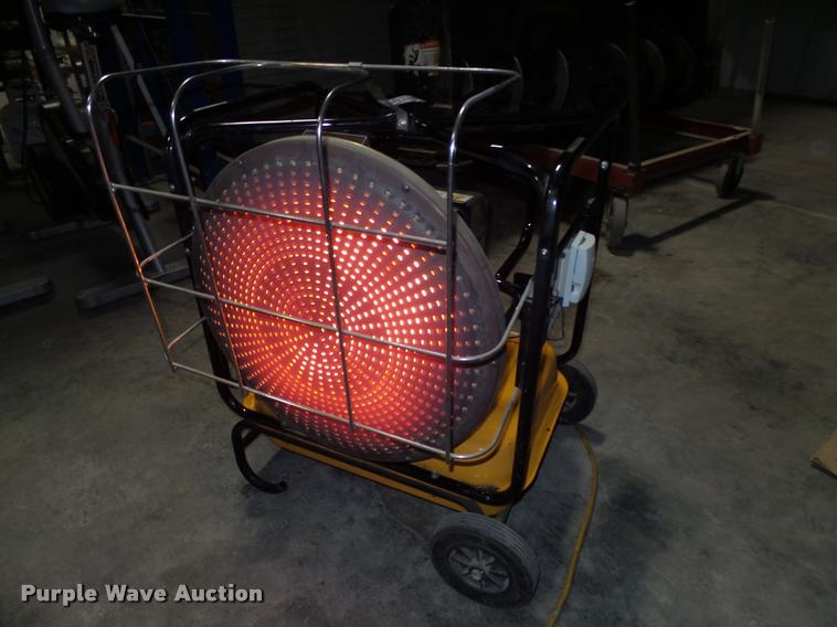 Direct fired radiant heater