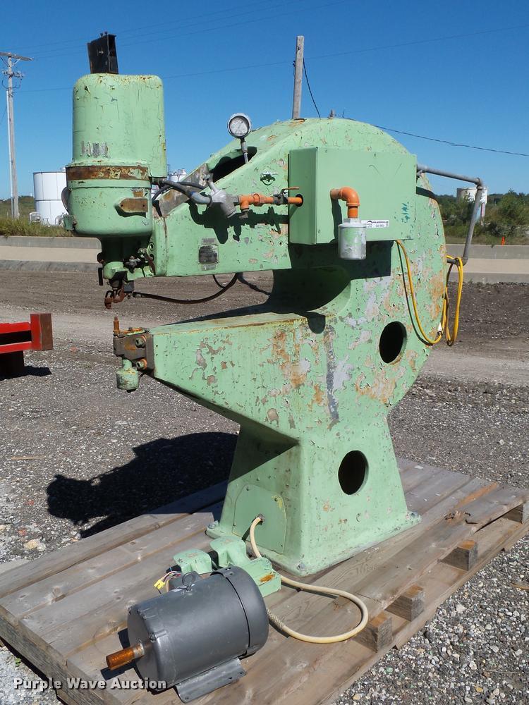 Erco punching and riveting machine
