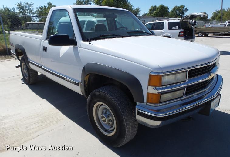 1999 Chevrolet 2500 pickup truck