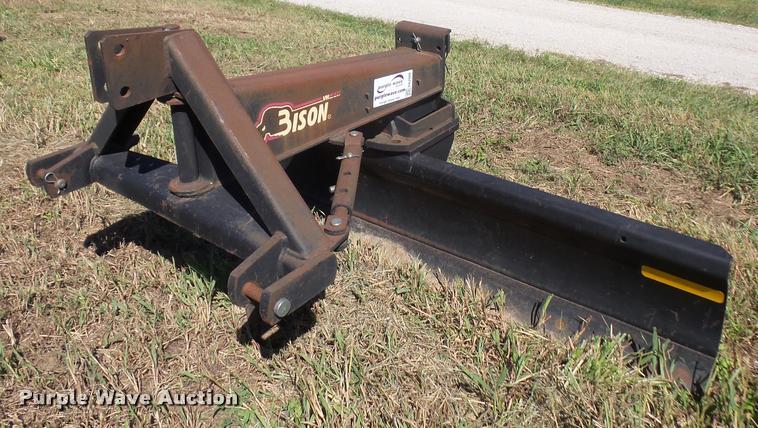 Bison rear blade