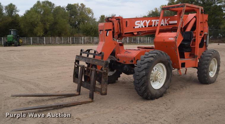 JLG Sky Trak B8400 telehandler