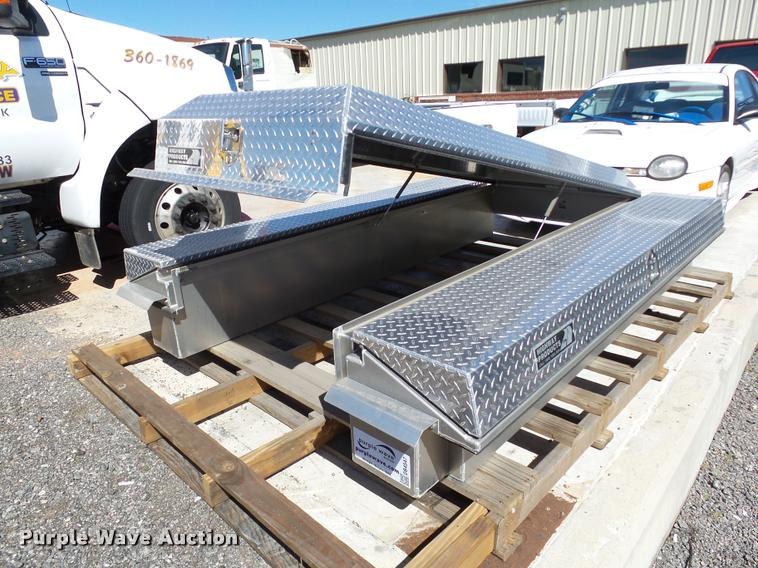 Highway Products diamond plate truck box