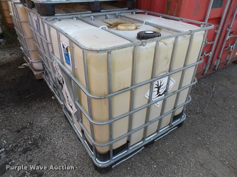 (10) 250 gallon totes