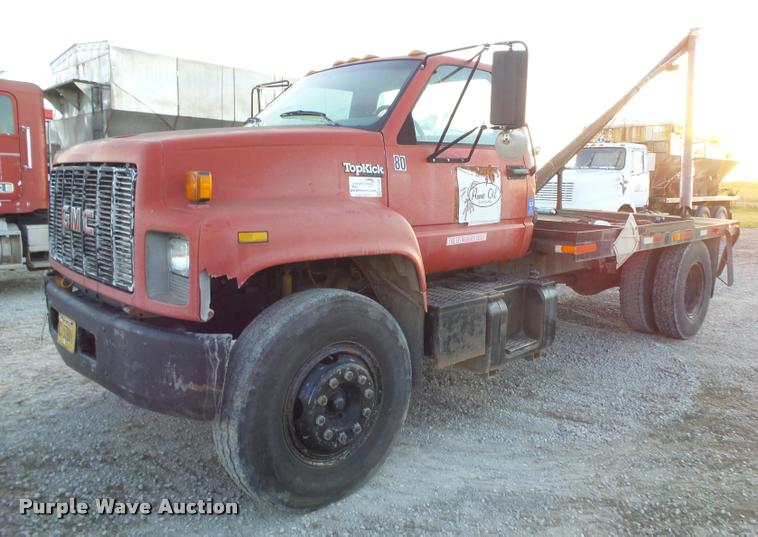 1994 GMC TopKick C7000 wrecker truck