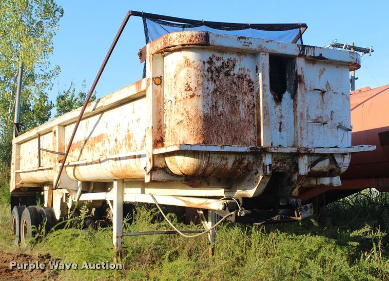 1984 Cherokee end dump trailer