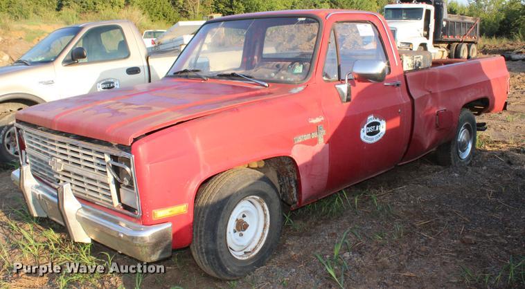 1984 Chevrolet Custom Deluxe 10 pickup truck